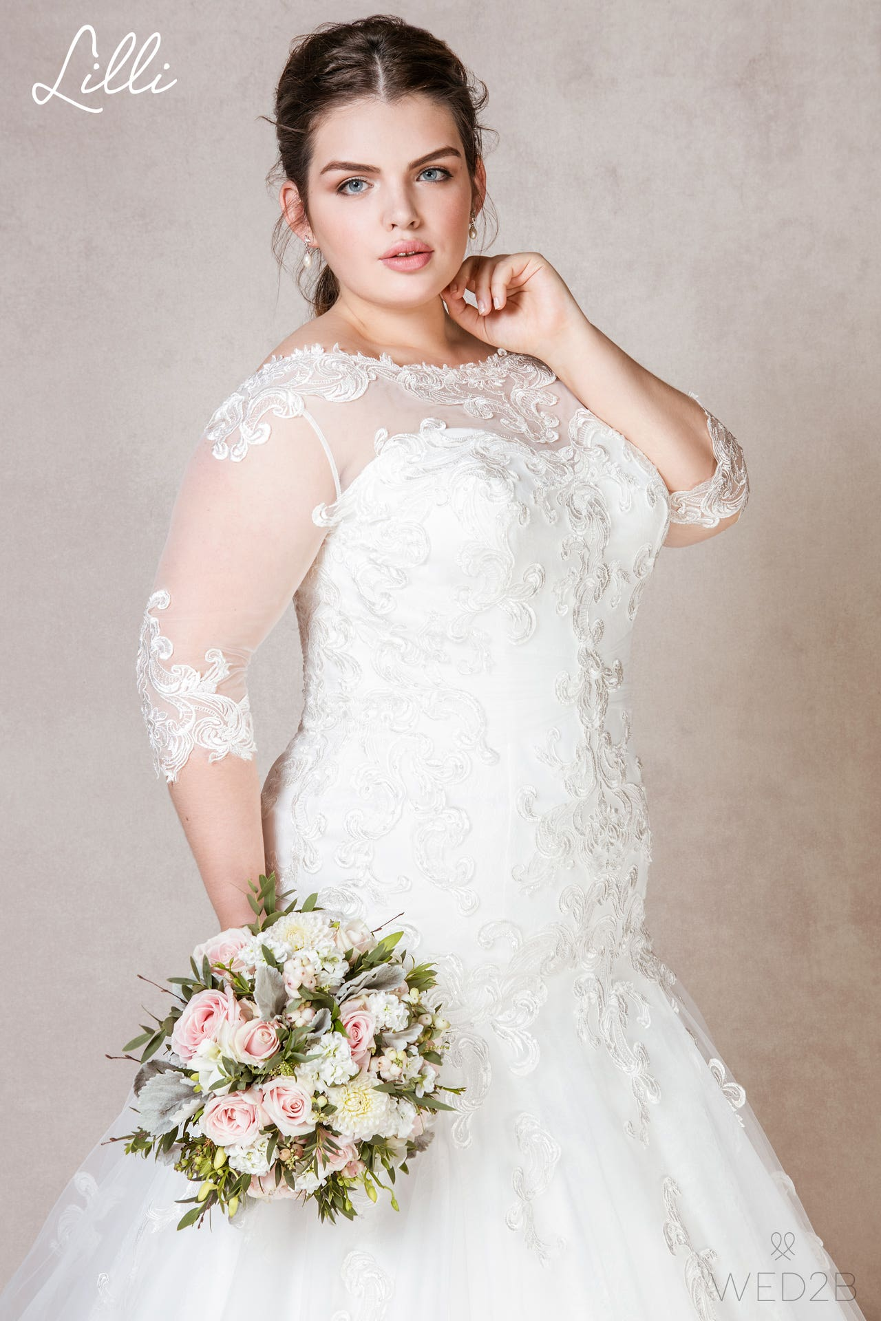 Lilli plus size wedding dress
