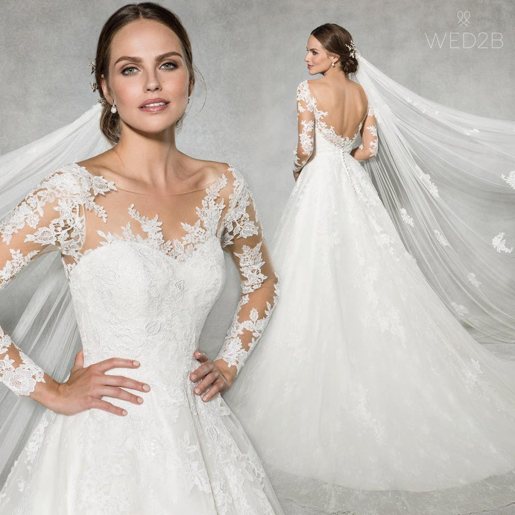 Lace wedding dress 'Leah' by Anna Sorrano