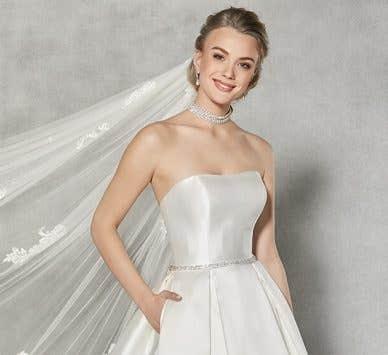 Spotlight on... Austen by Anna Sorrano; a vintage wedding dress dream
