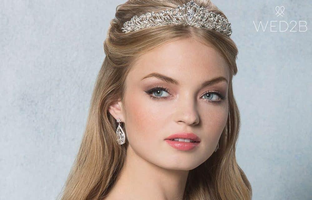 Choosing the perfect wedding hair accessories