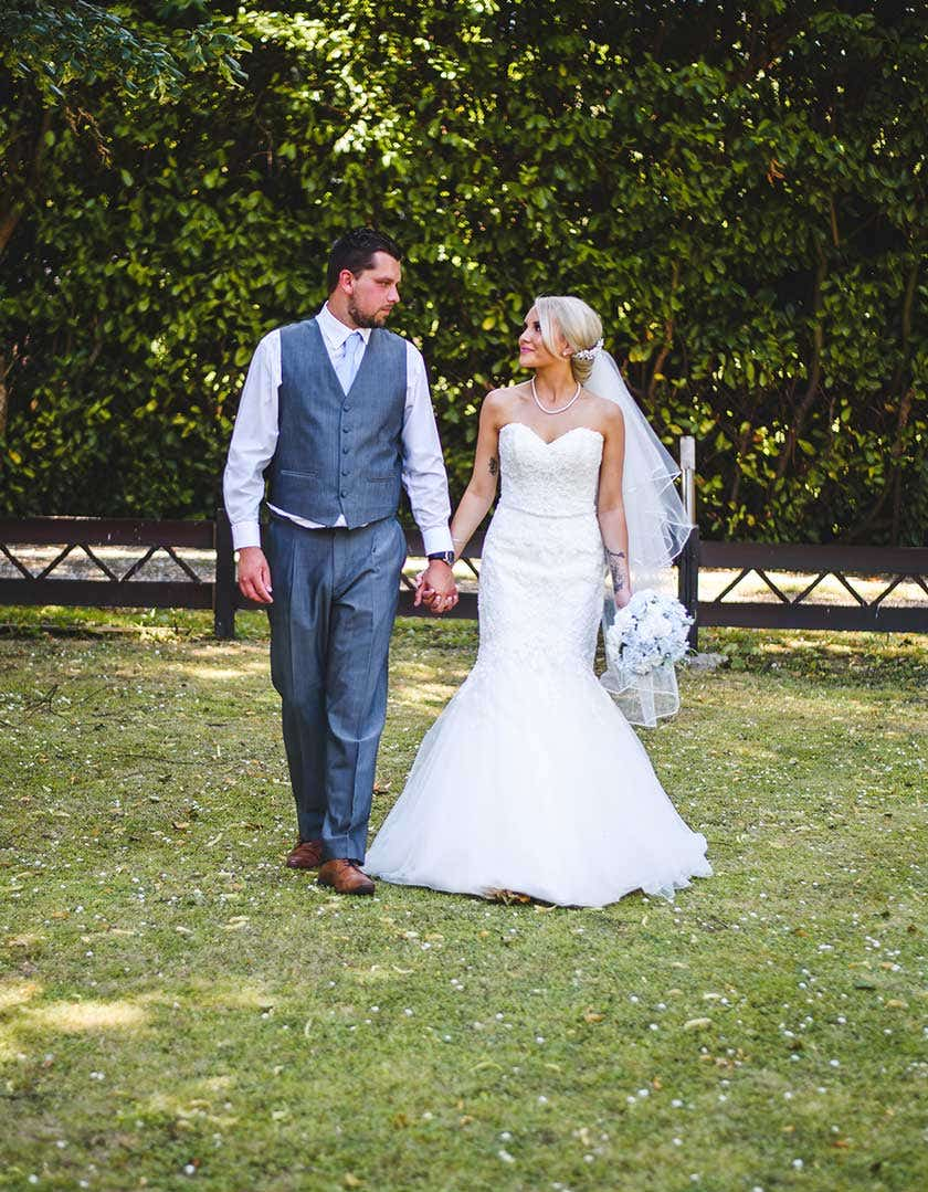 Real weddings swindon charlotte and lukes romantic day wed2b uk blog when charlotte moved to oxford from portsmouth at the young age of 9 she moved schools and met luke they grew up friends attending the same secondary junglespirit Image collections