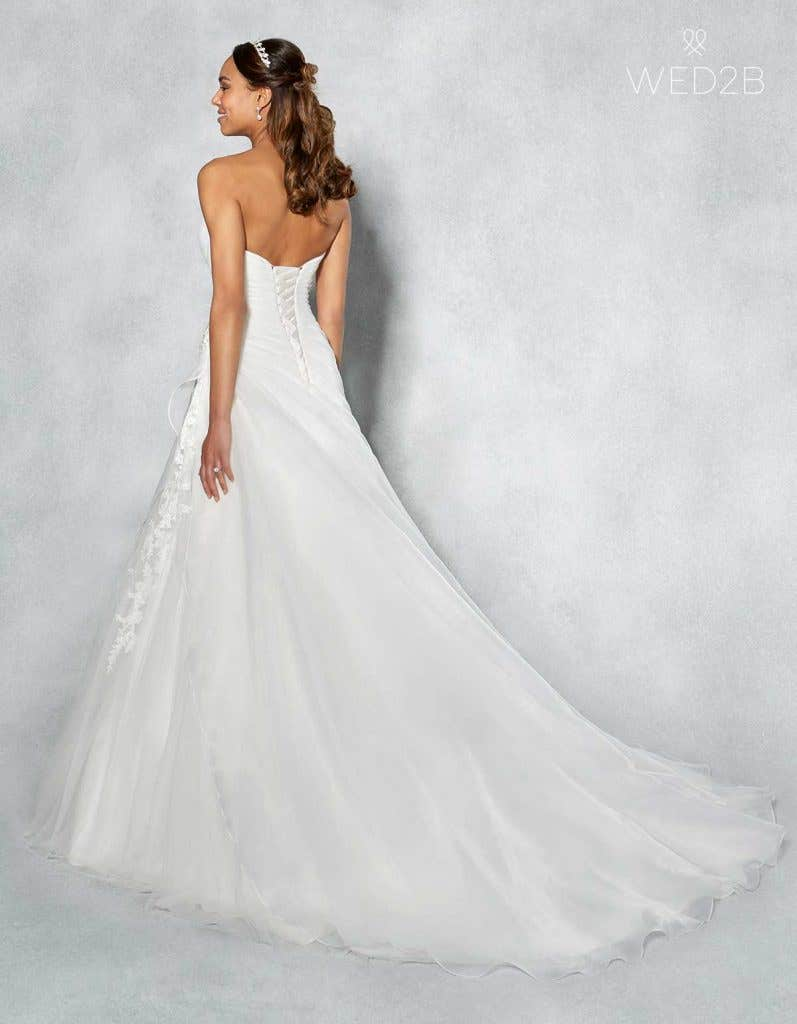 Our Favourite Sweetheart Neckline Wedding Dresses Wed2b Uk Blog
