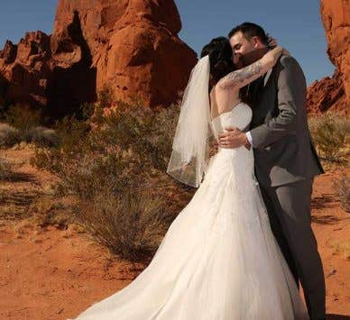 Real Weddings: Laura and Jason's Las Vegas Wedding