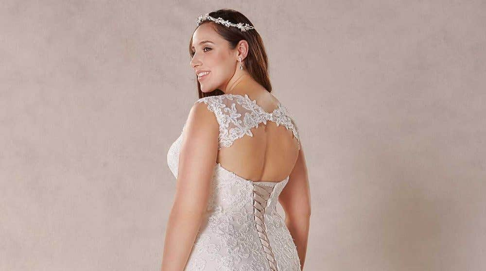 Top trend: Keyhole back wedding dresses