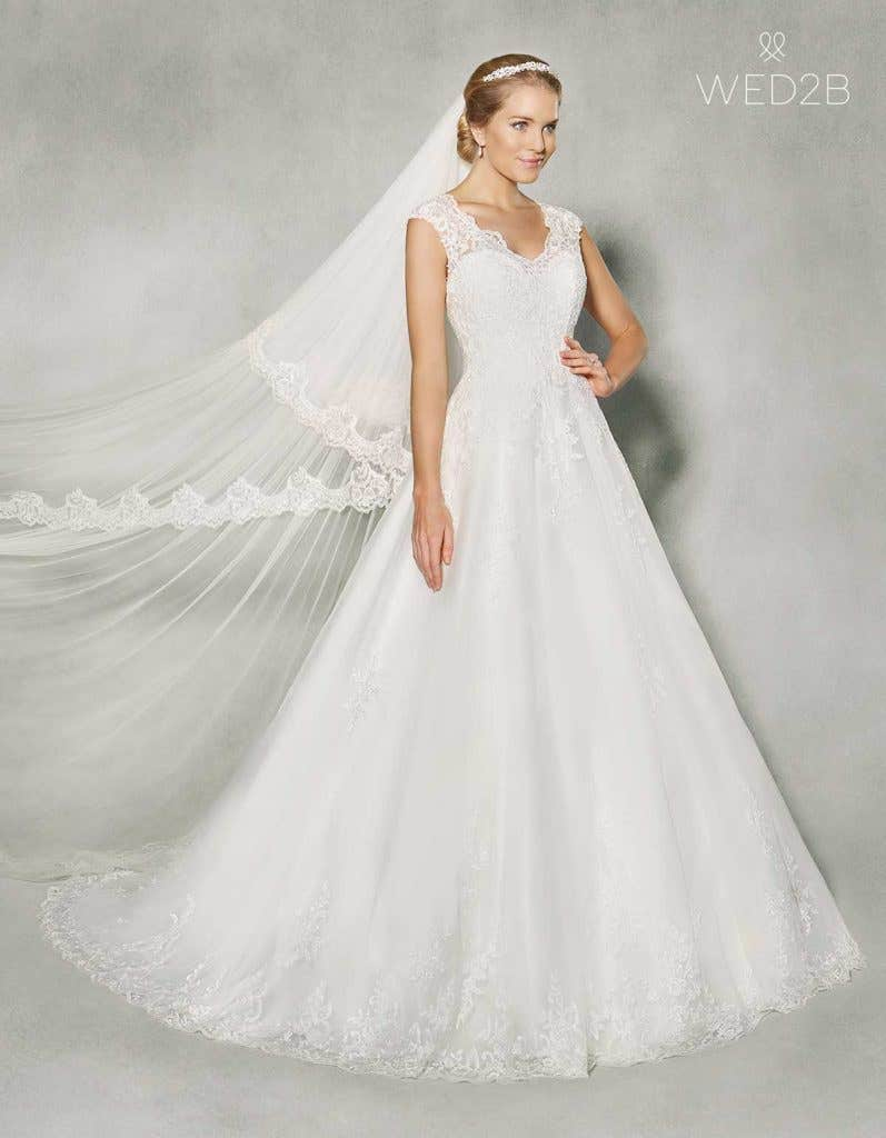 Sleeveless wedding dresses with wow factor! - Carmela