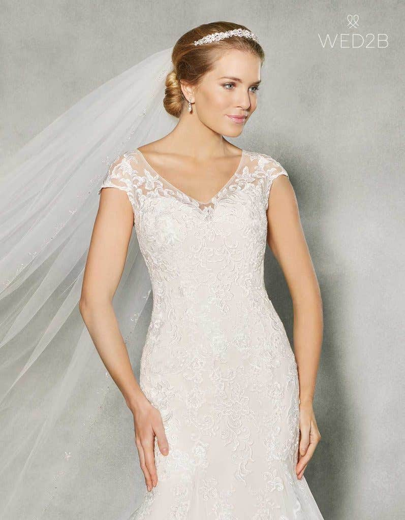 Sleeveless wedding dresses with wow factor! - Etta