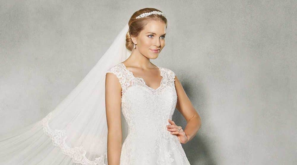 Sleeveless wedding dresses with wow factor!