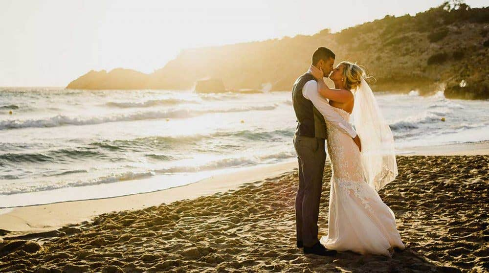 Real Weddings Swindon: Nicki and Greg's beautiful Ibiza wedding