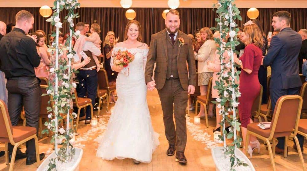 Real Weddings Hull: Samantha and Max's Autumnal Celebration