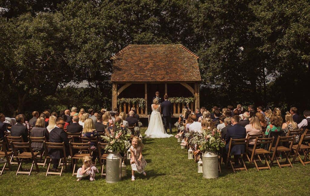 Real Weddings Surbiton: Christine and Gary's beautiful barn wedding - Kendra
