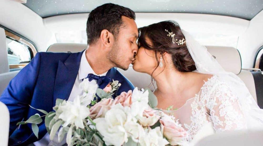 Real Weddings Milton Keynes: Sandra and Stephan's manor house wedding