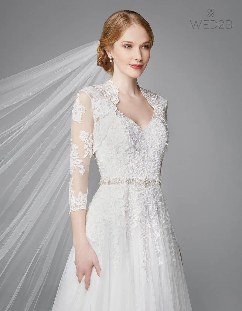 Discover the perfect lace and tulle wedding dress - Alice