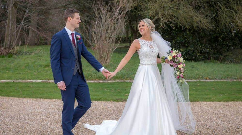 Real Weddings Exeter: Leanne and Tom's beautiful classic wedding
