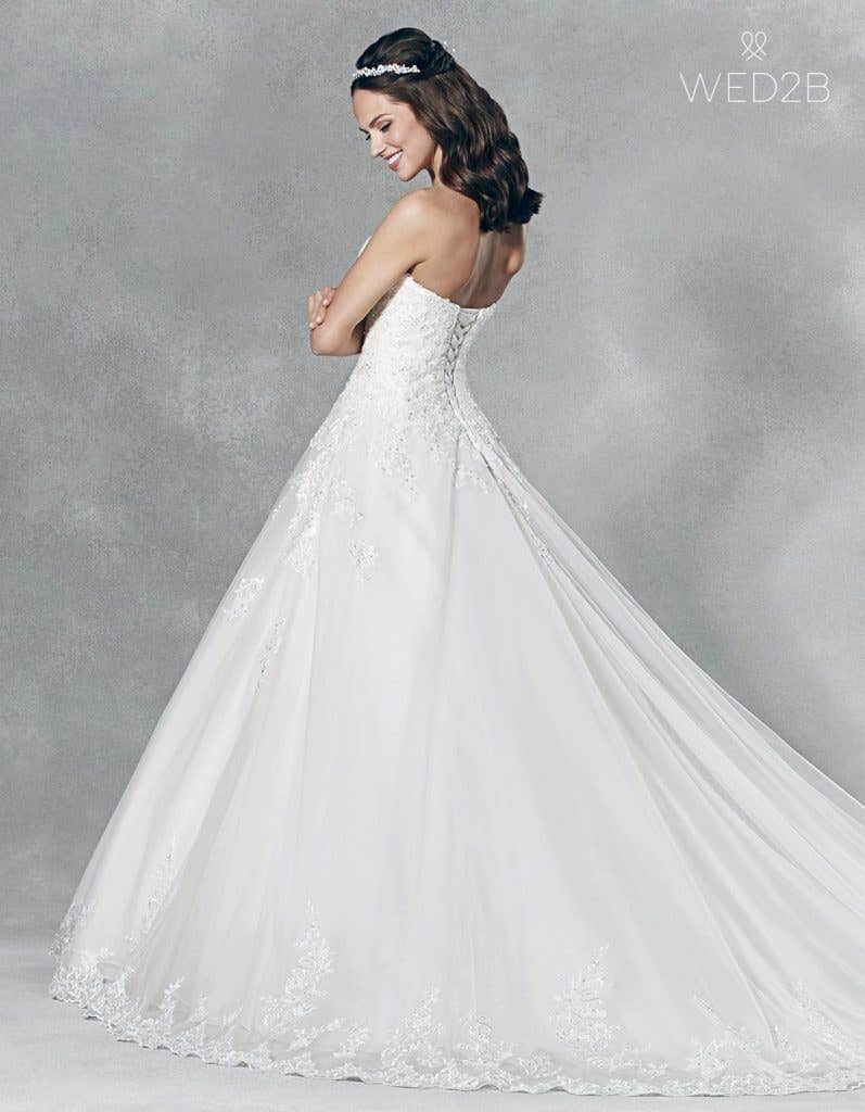 Find the perfect vintage lace wedding dress with Viva Bride - Emmy