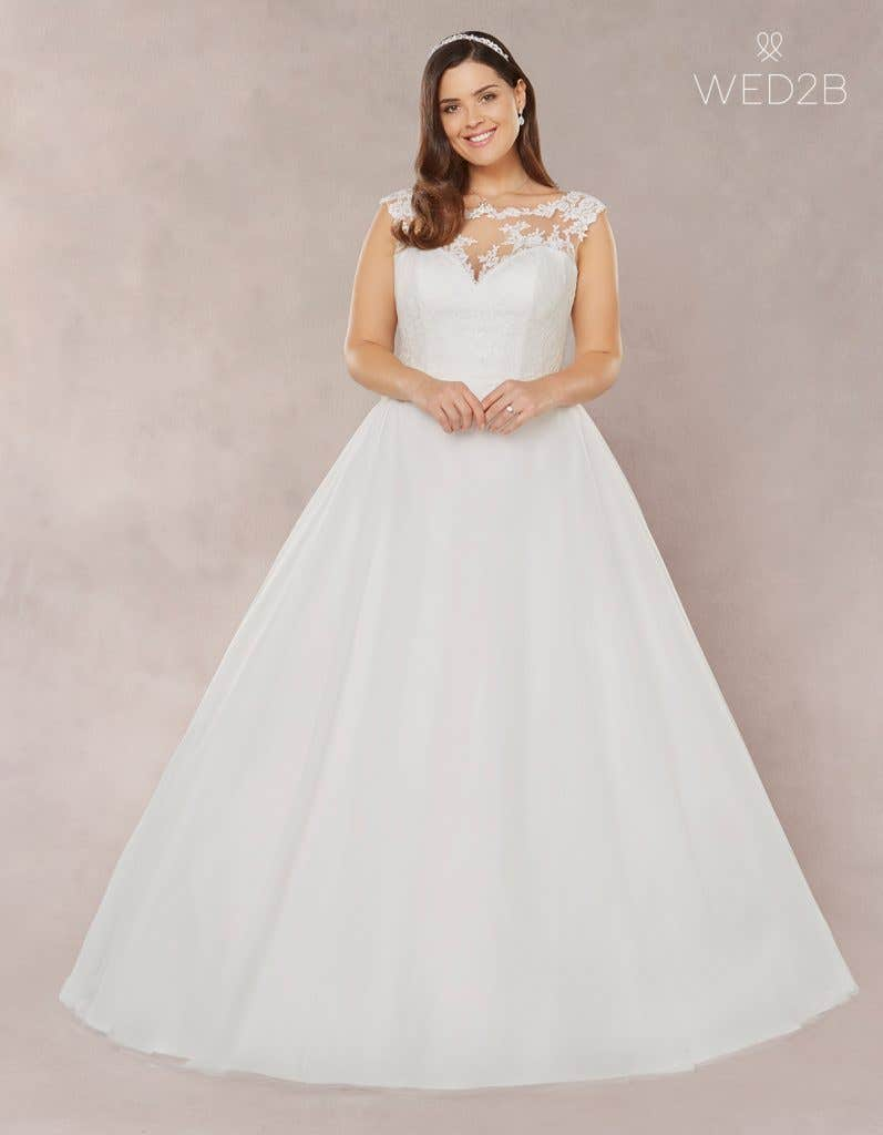 7e11fafb554 Brand new plus size wedding dresses… - Laura