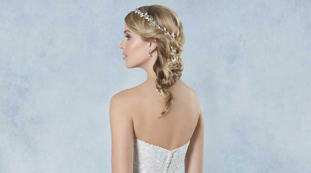 Breathtaking new bridal hair jewellery