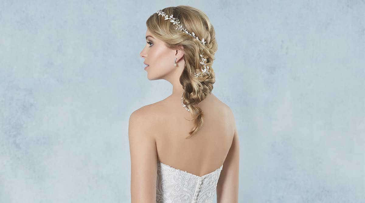 Breathtaking new bridal hair jewellery
