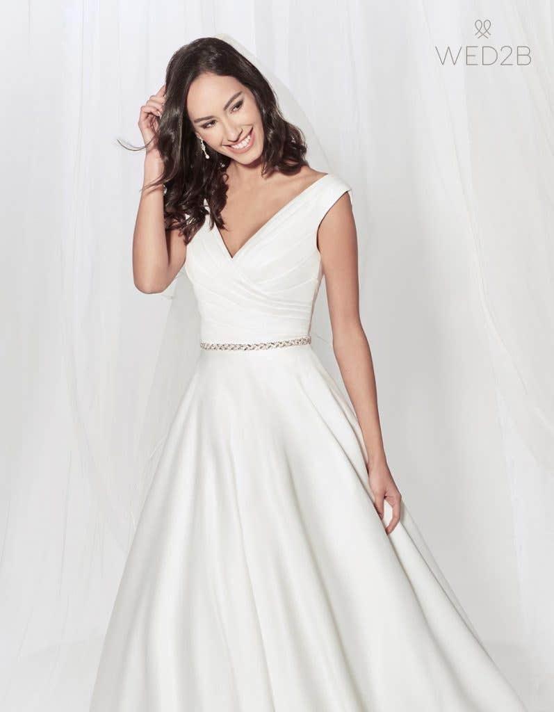 Megan - elegant wedding dress