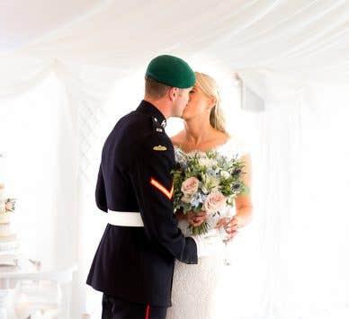 Real Weddings Southampton: Hannah and Sam's stylish wedding in Dorset