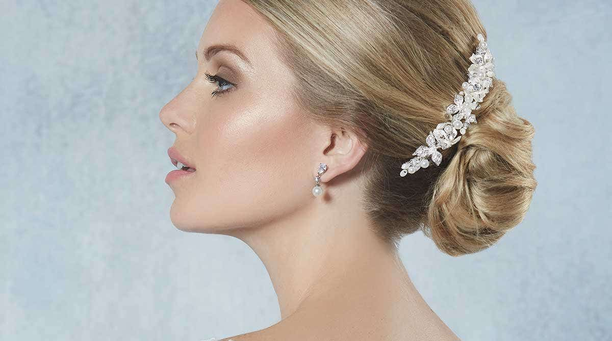 How to choose the perfect bridal hair accessories
