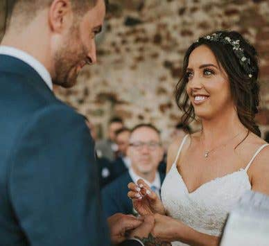 Real Weddings Milton Keynes: A DIY bride and a homemade celebration