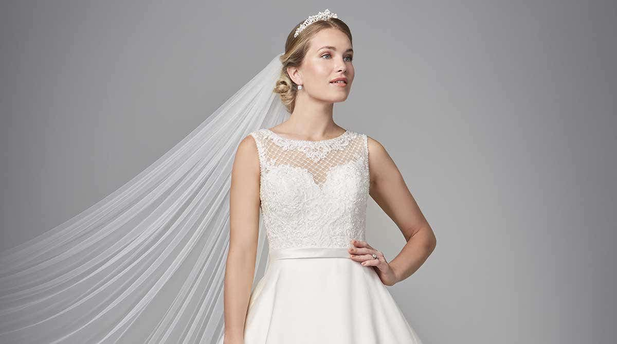 Discover your dream lace wedding dress