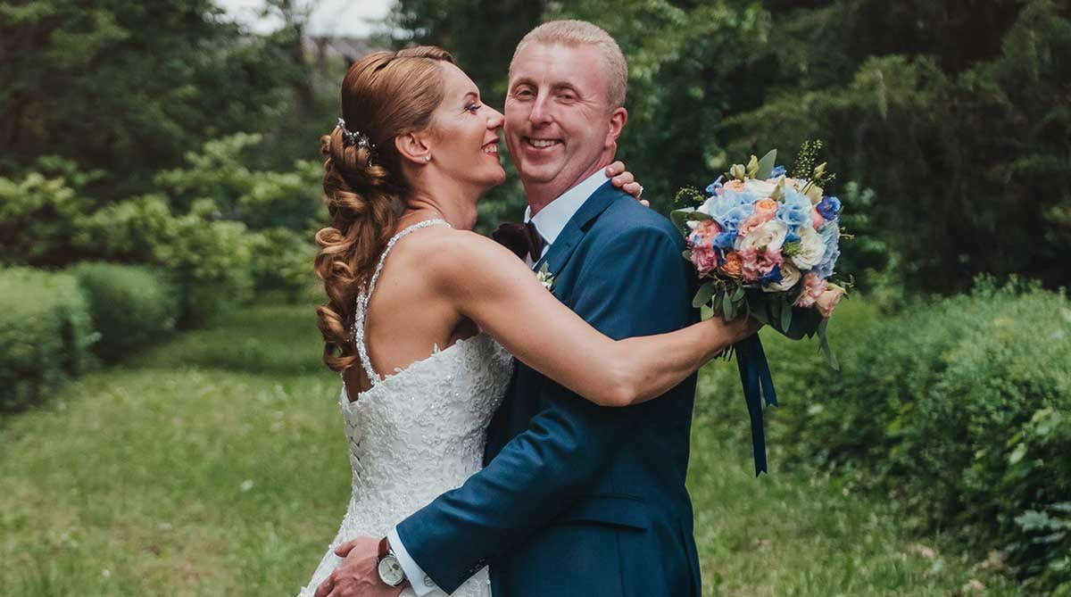 Real Weddings London: Roxana and Mihai's small but chic wedding