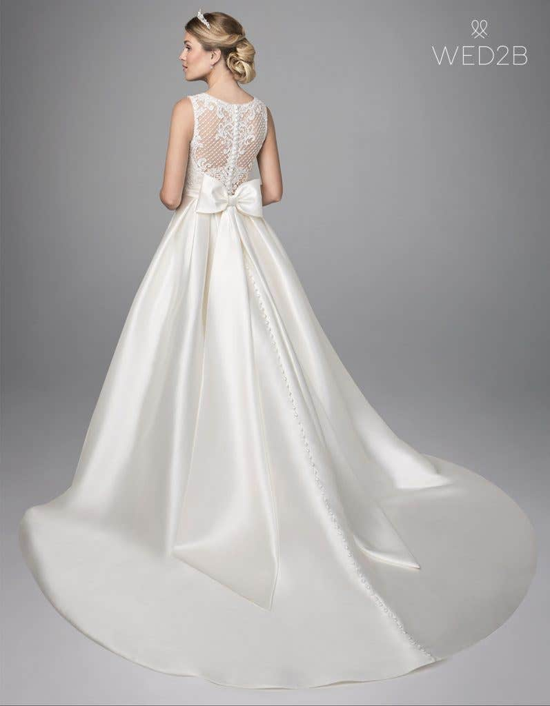 Back view of lace wedding dress Gianna