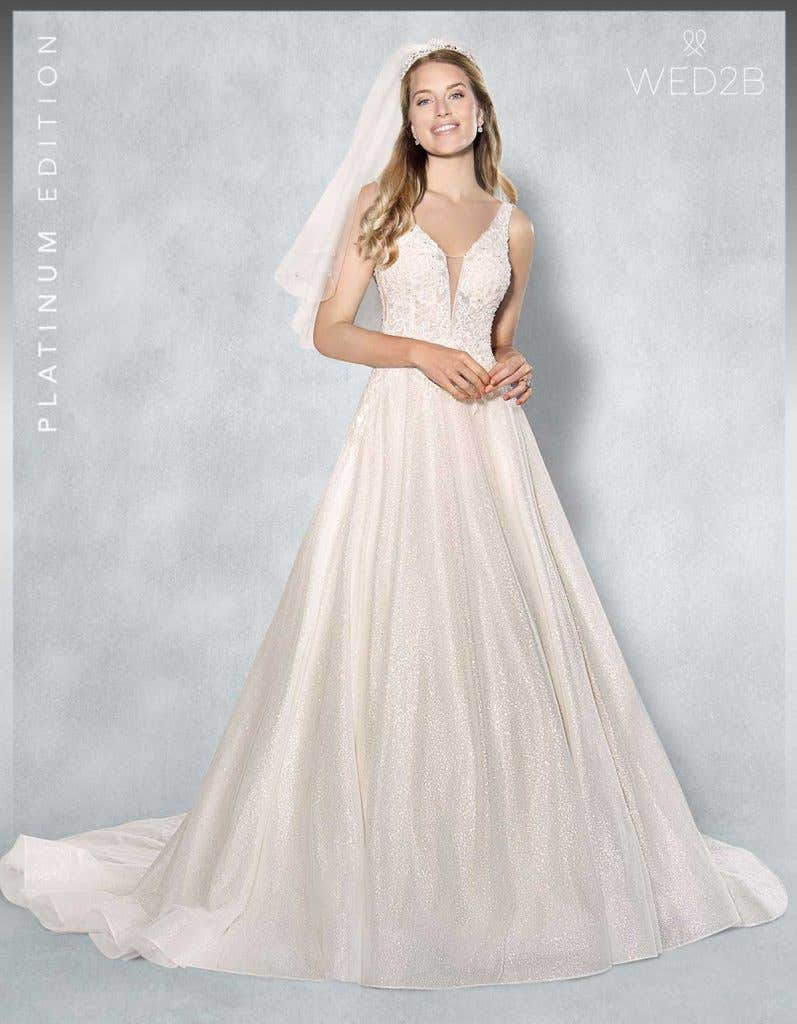 Front view of lace wedding dress Lazara
