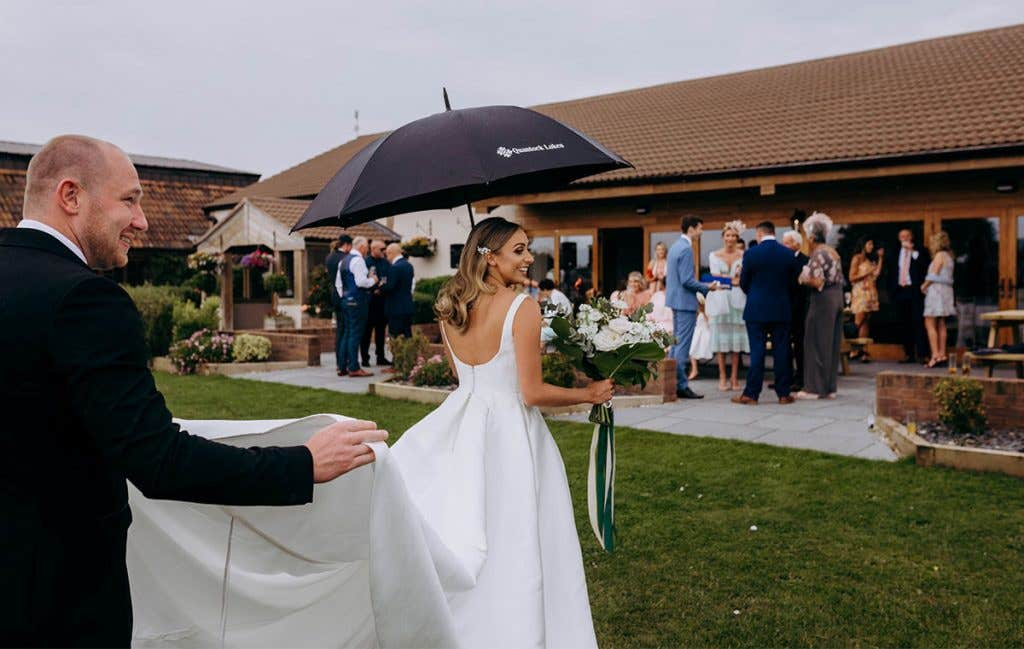 Somerset wedding with sunshine and flowers