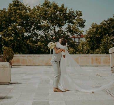 Real Weddings Southampton: Kostadin and Yolanda's stylish Bulgarian wedding