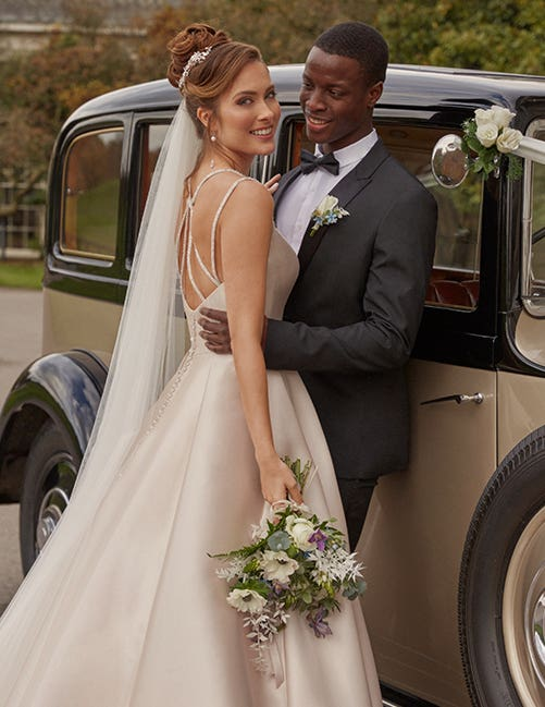 Bridal accessories are the ideal finishing touch to your winter wedding look