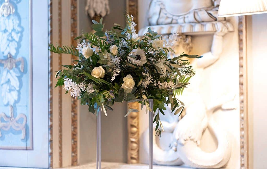 Wedding florals perfect for a winter wedding