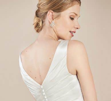 Discover the perfect wedding dress straps…