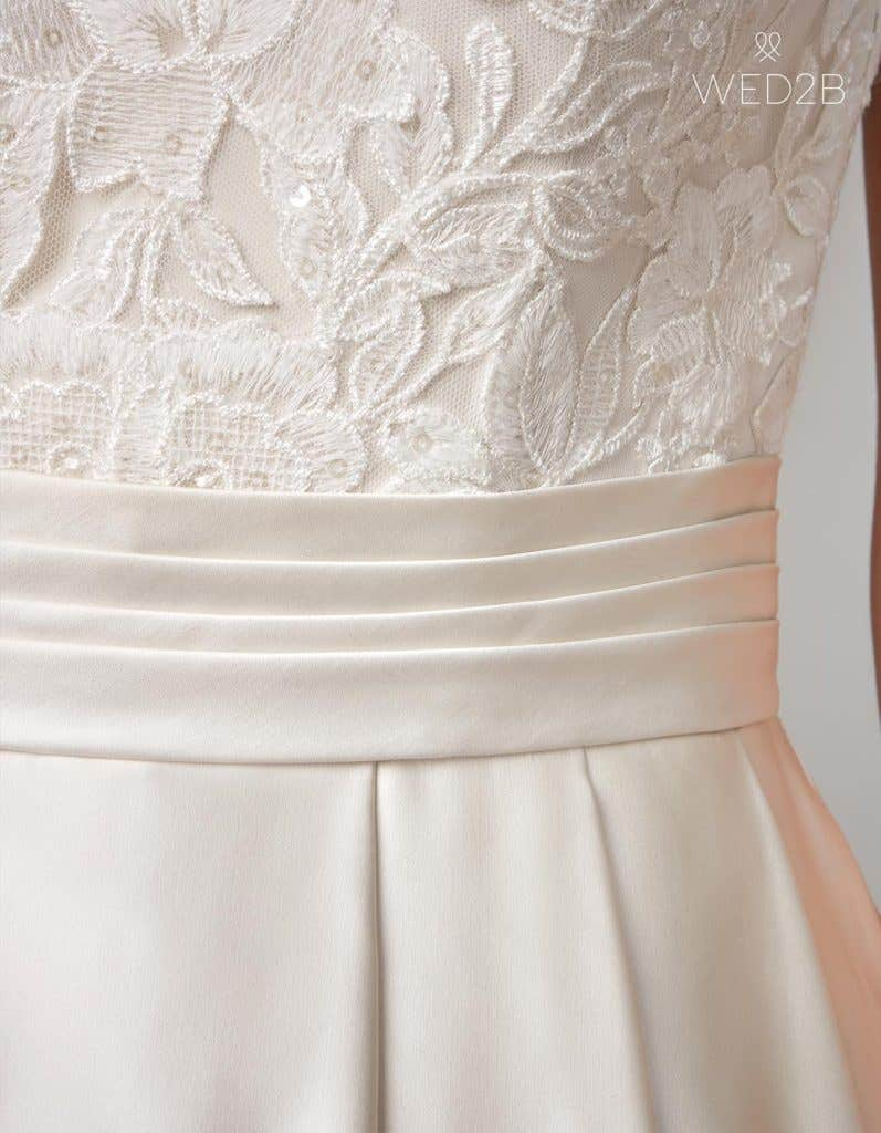 Detail view of oyster traditional wedding dress Helene