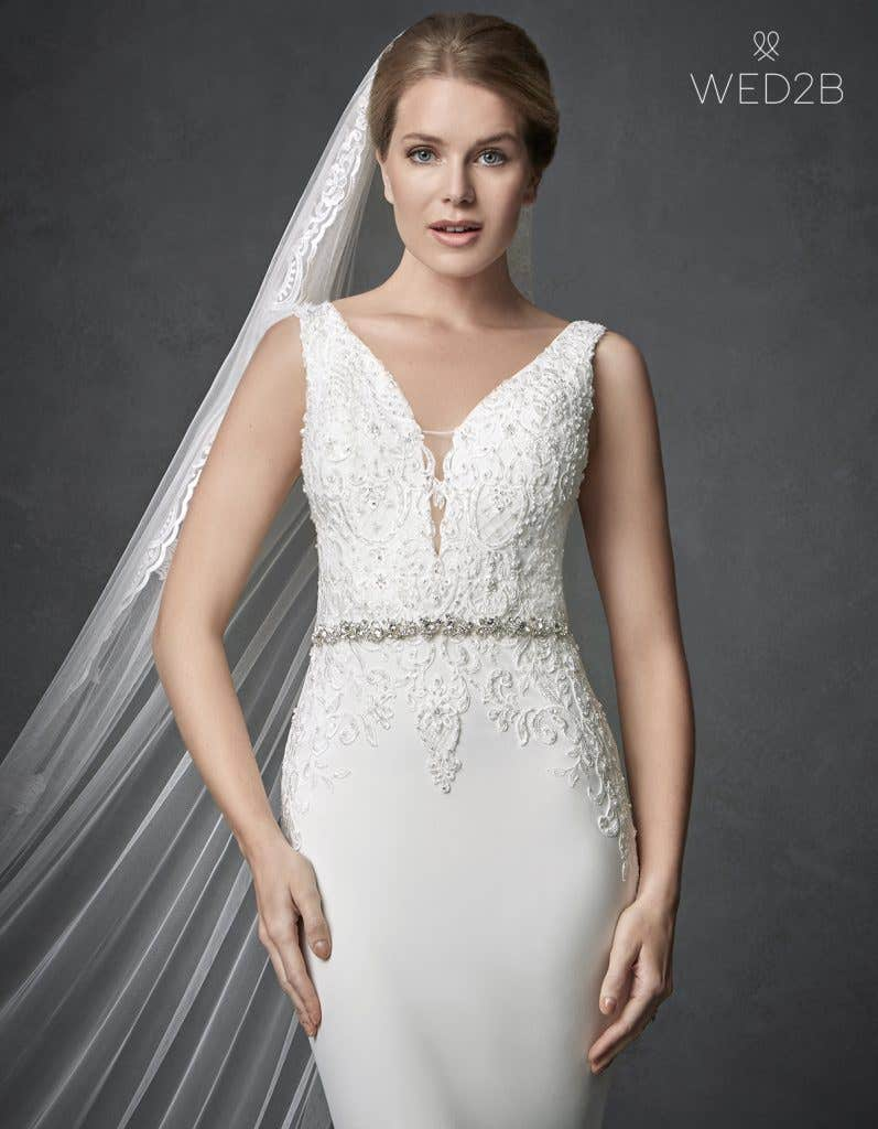 Front crop view of sleeveless wedding dress Odyssey