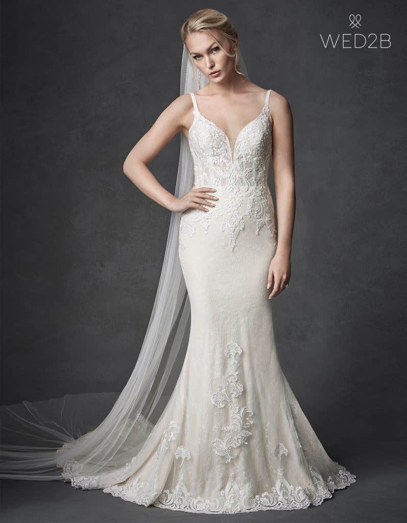 Front view of sleeveless wedding dress Syrah
