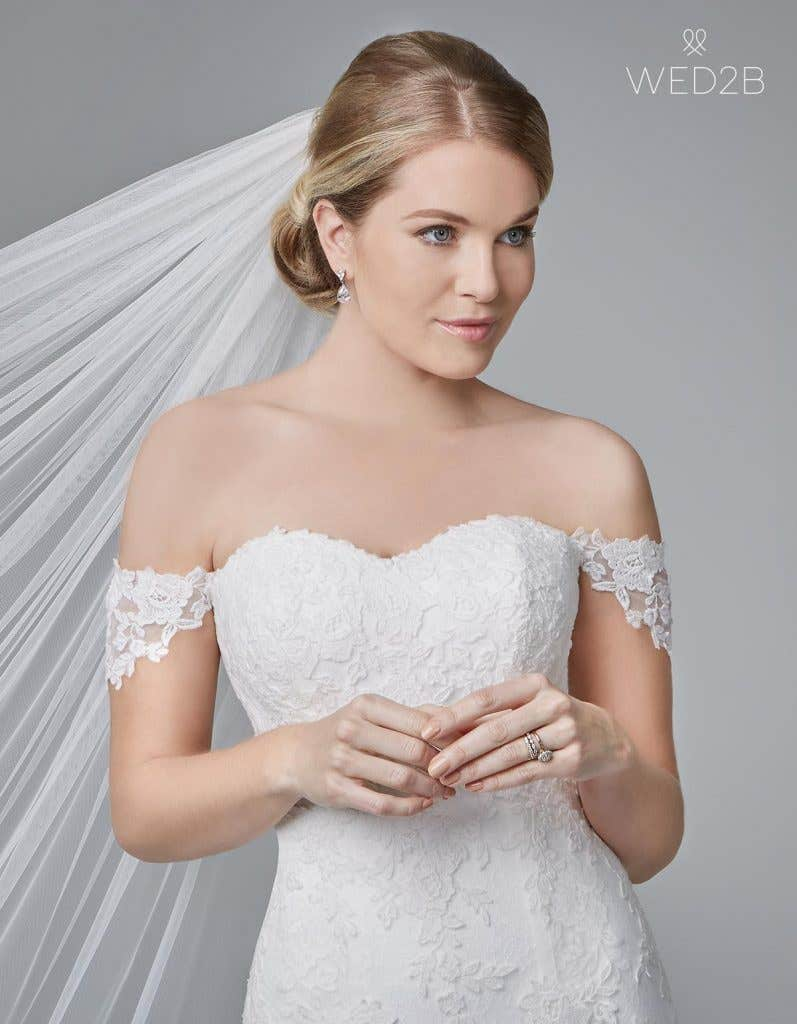 Front crop view of traditional wedding dress Winslet