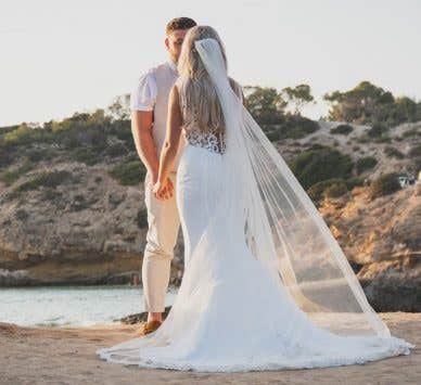 WED2B Real Weddings: Sophie and Robert's sunny Ibiza wedding
