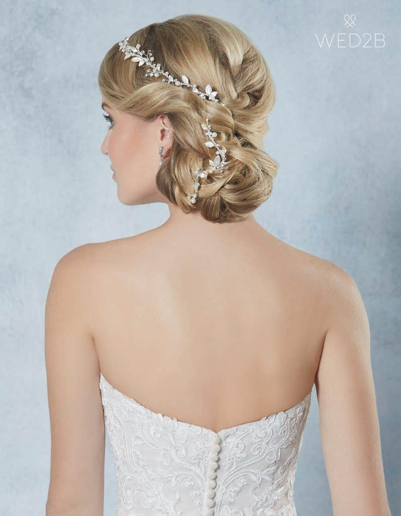 Back view of Calli from Amixi, a hair accessory with key 2020 wedding dress trends