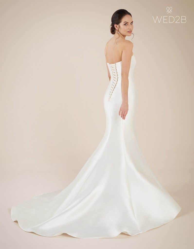 Back view of Dolce, a wedding dress by Anna Sorrano