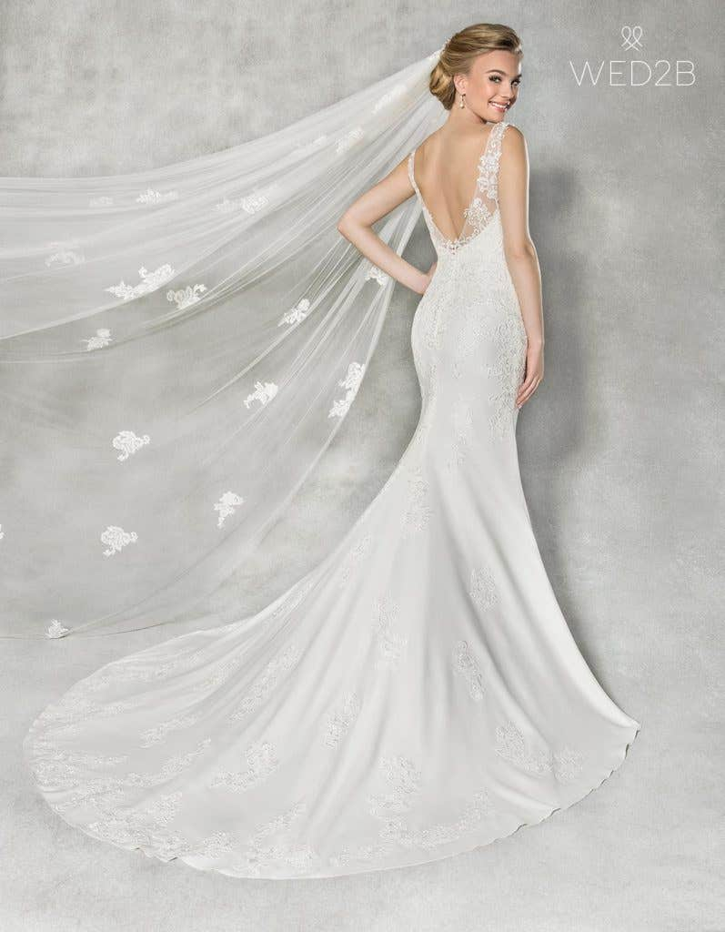 Back view of Elsbeth, a wedding dress by Anna Sorrano