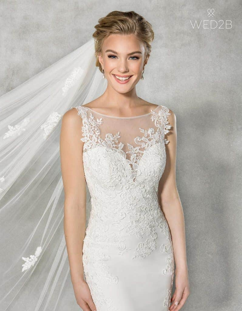 Close-up front view of Elsbeth, a wedding dress by Anna Sorrano