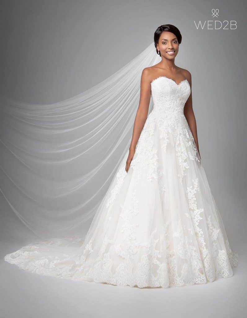 Front view of classic wedding dress Georgette by Anna Sorrano