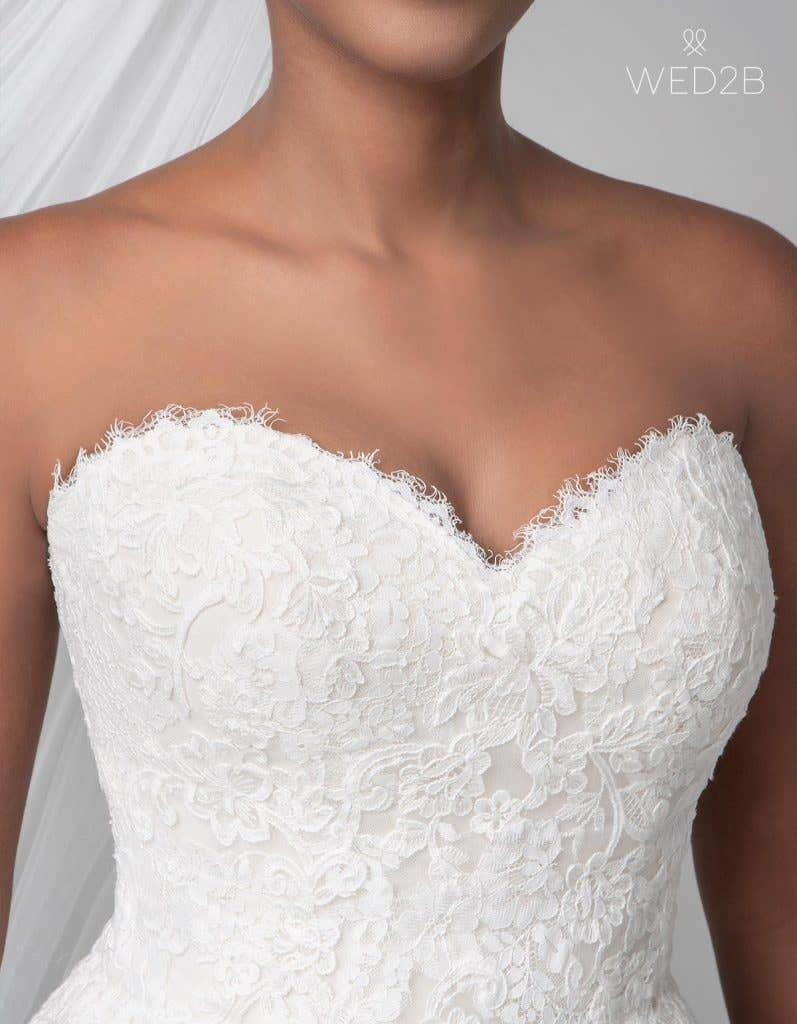 Detailed view of classic wedding dress Georgette by Anna Sorrano