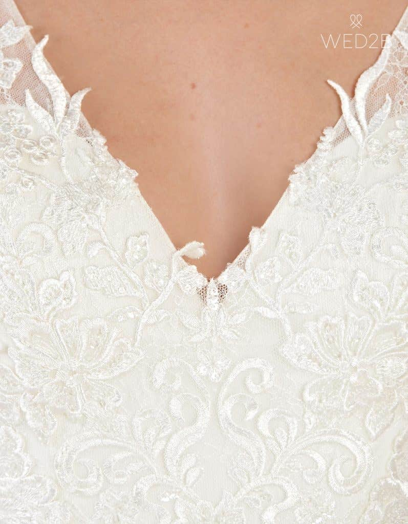 Detailed view of vintage lace wedding dress Sorrento by Anna Sorrano