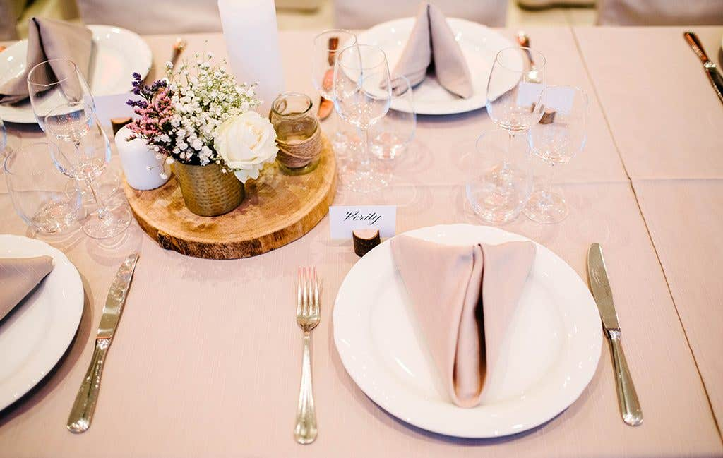 The table design at this November wedding