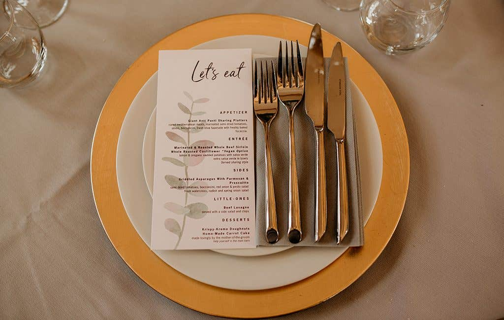 Delicate decor at this Cotswolds wedding