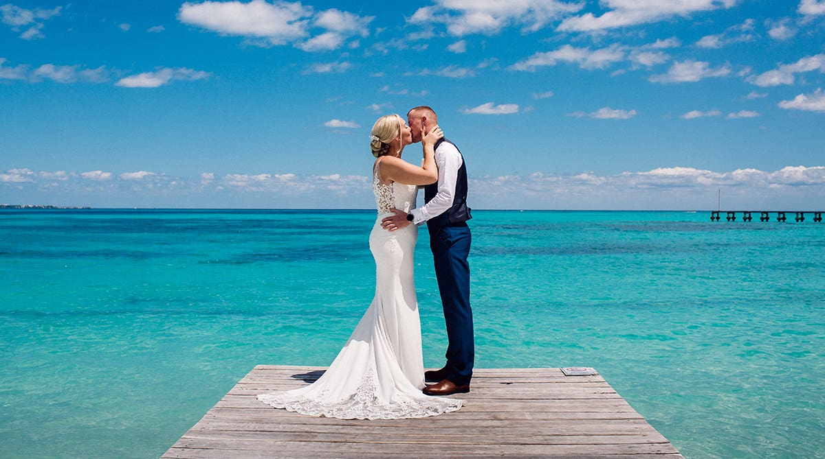 Real Weddings Shirley: Getting married abroad in Mexico
