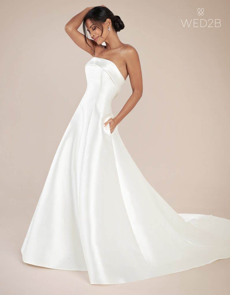 Front view of fashion wedding dress Aden by Anna Sorrano